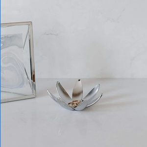 Umbra Magnolia Jewelry Dish